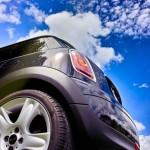 中古車展示場巡りや中古車情報サイト検索と合わせて使いたい新しい中古車の探し方